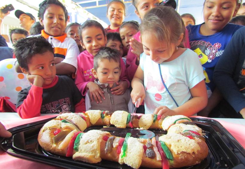 Festejan a niños damnificados en Juchitán, Oaxaca | El Imparcial de Oaxaca