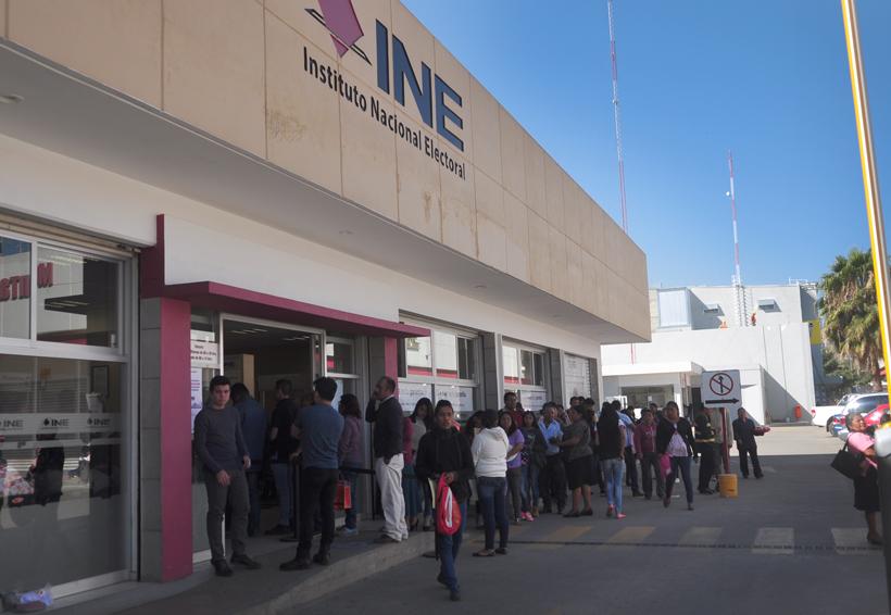 Aglomeraciones para tramitar credencial de elector en Oaxaca | El Imparcial de Oaxaca