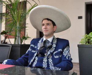 Video: Lorenzo Negrete llega a Oaxaca