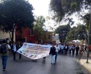 Marchas generan intensos  congestionamientos viales en Oaxaca