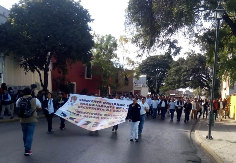 Marchas generan intensos  congestionamientos viales en Oaxaca | El Imparcial de Oaxaca