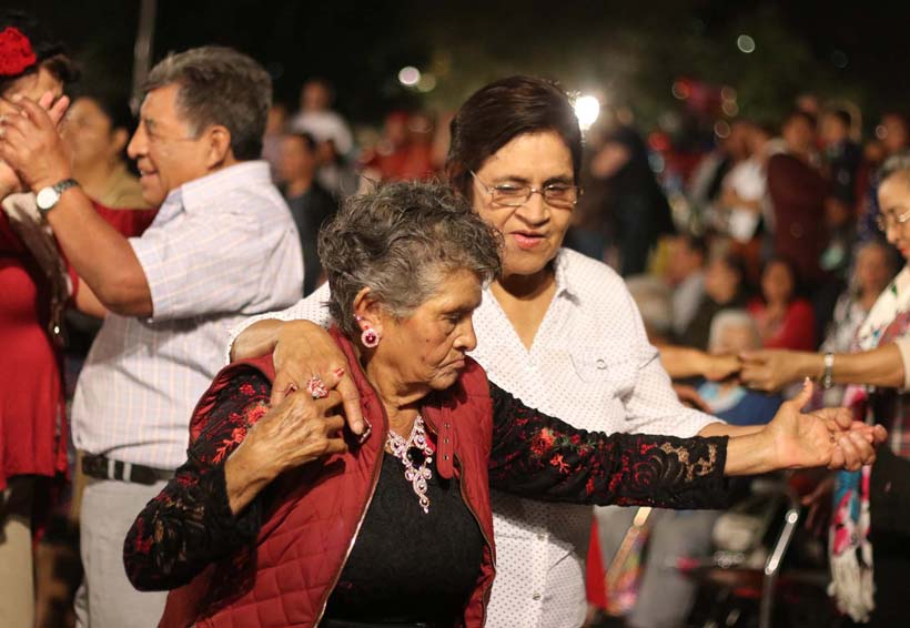 Miércoles de Danzón,  tradición con 18 años en Oaxaca