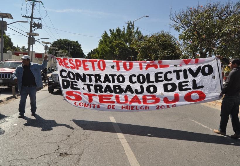Marcha y bloqueo del STEUABJO | El Imparcial de Oaxaca