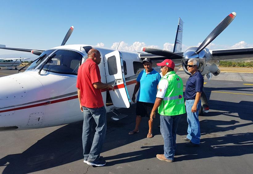 Con aeronave y lanchas, buscan a dos pescadores desaparecidos en la Costa de Oaxaca   El Imparcial de Oaxaca