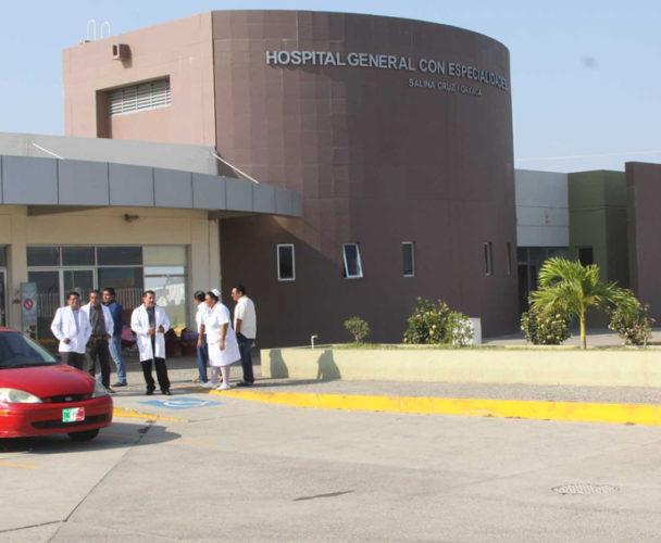 Paro afecta a usuarios en el  Hospital de Salina Cruz, Oaxaca