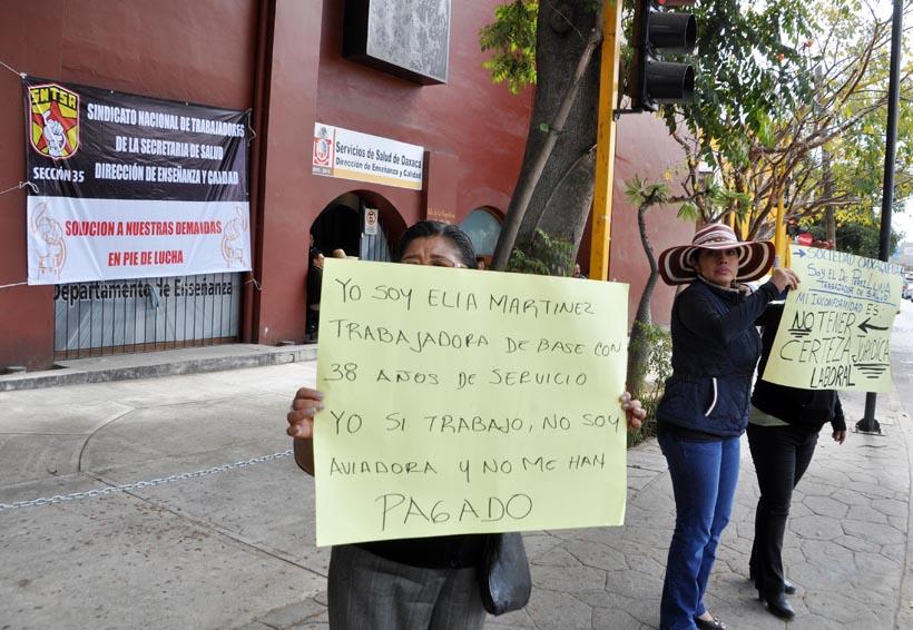 Emprende más acciones S-35; mantienen paro parcial en el hospitales y clínicas | El Imparcial de Oaxaca