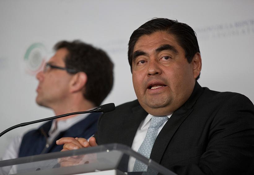 Miguel Barbosa  se registra como precandidato a la gubernatura de Puebla | El Imparcial de Oaxaca