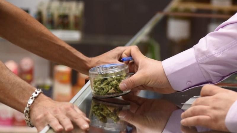 Largas filas por venta de marihuana recreativa en California | El Imparcial de Oaxaca