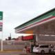 Continúa alza en gasolinas; estaciones no exhiben precios