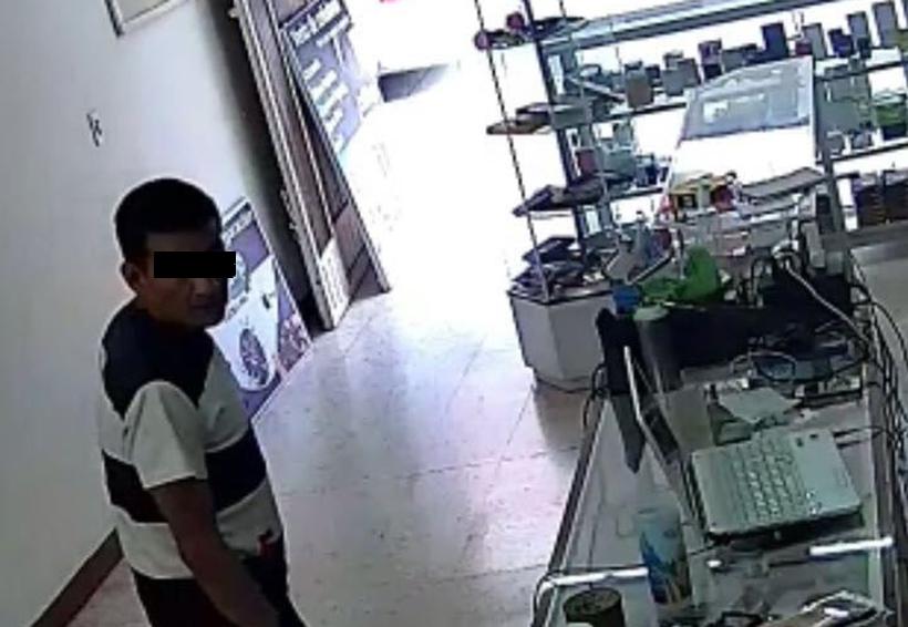 Video: Captan robo en tienda de celulares en Huajuapan, Oaxaca | El Imparcial de Oaxaca