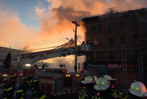 Nuevo incendio en Nueva York deja al menos 16 heridos | El Imparcial de Oaxaca