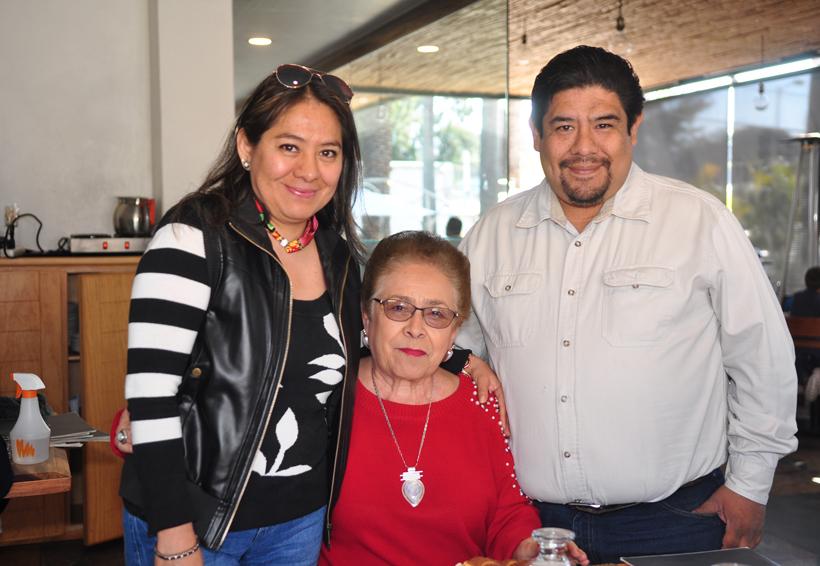 María Adelina recibe felicitaciones