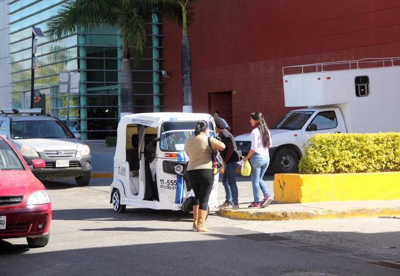 Amplían moto taxistas bases de forma irregular en Oaxaca