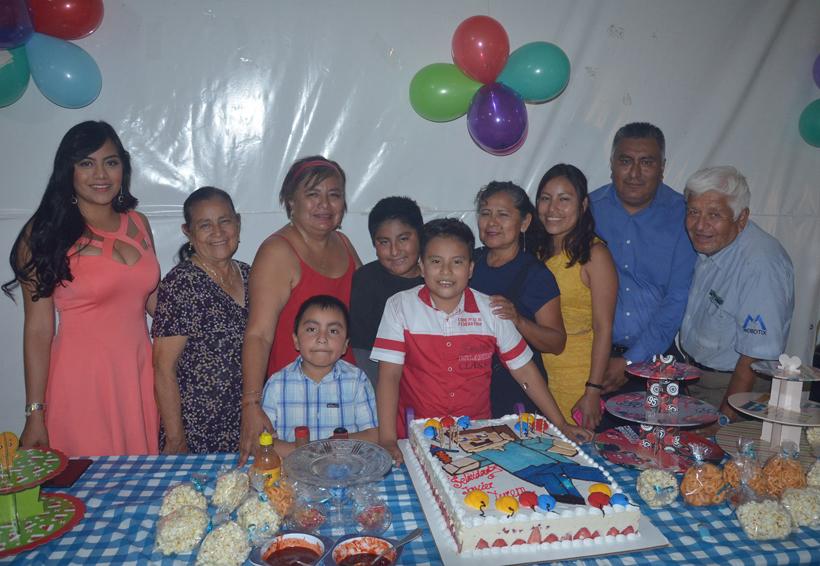 Javier cumplió  10 años