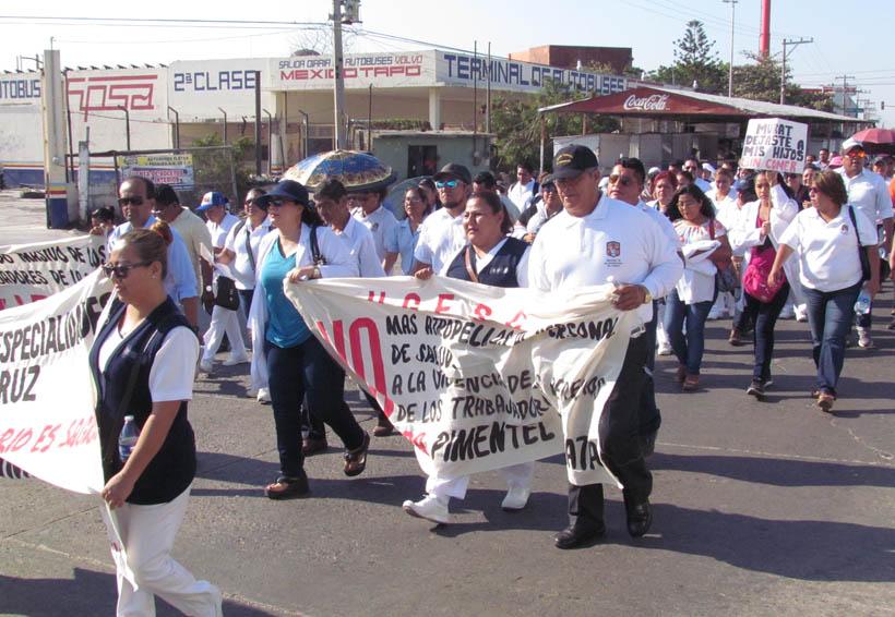 Trabajadores de Salud del Istmo marchan, piden la salida de Pimentel
