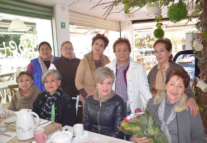Celebran a Dora Luz