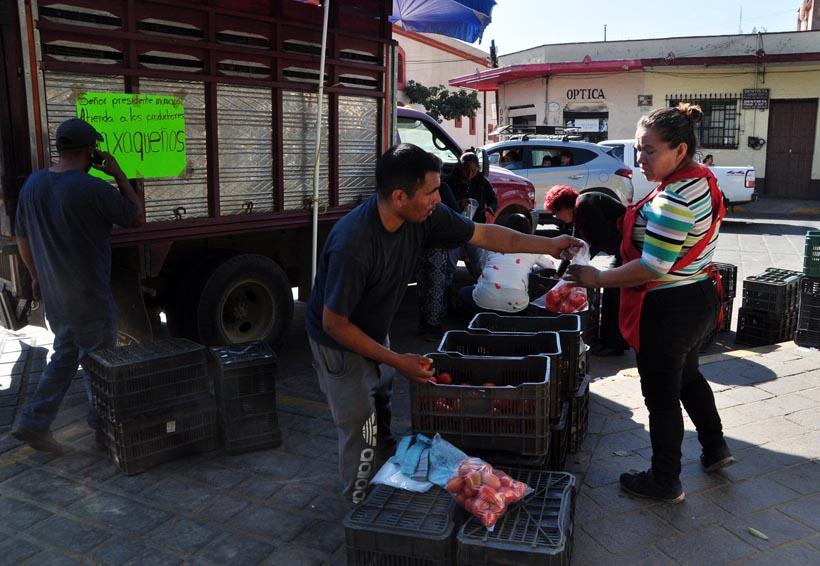 Deambulan sin rumbo  productores de tomate de Oaxaca