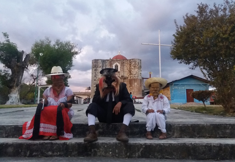 No permitirán invasión comercial en carnaval de san Juan Mixtepec, Oaxaca