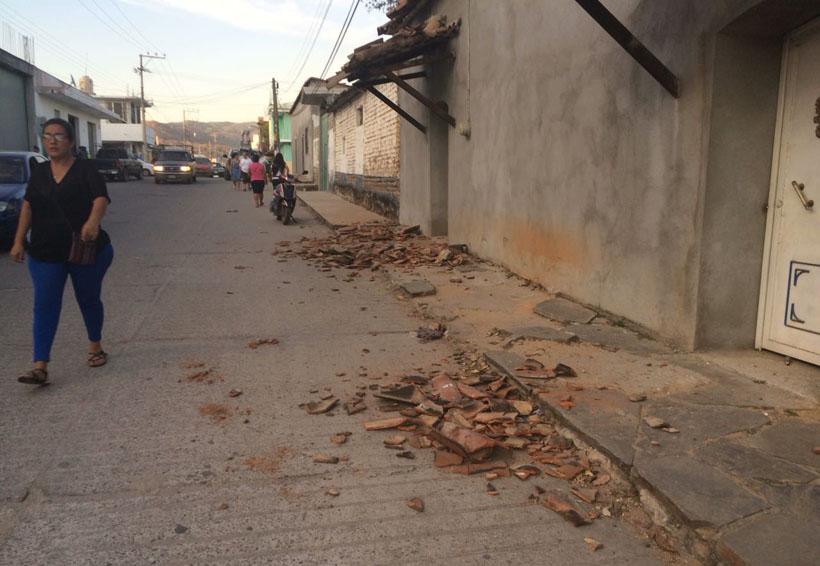 Sismo, daños materiales y susto en Pinotepa Nacional