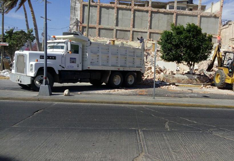 Comienza remoción de escombro en Salina Cruz, Oaxaca