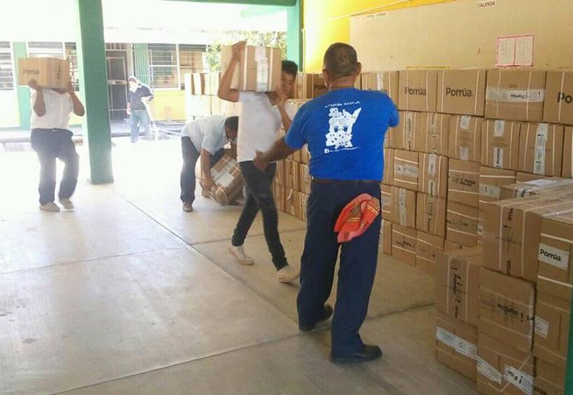 Consolidan la biblioteca Guendaliza en Juchitán, Oaxaca