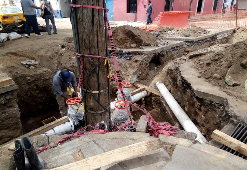 Denuncian lento avance de obras de agua potable en Oaxaca
