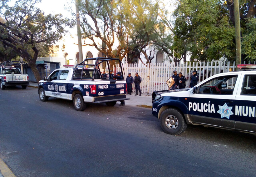 Desalojan a comerciantes de Salina Cruz, Oaxaca