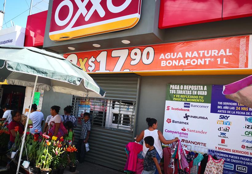 Docentes bloquearon tiendas de la Costa de Oaxaca