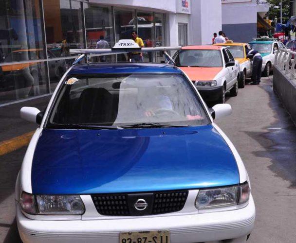 En Tuxtepec el tarifario de taxis debe estar visible