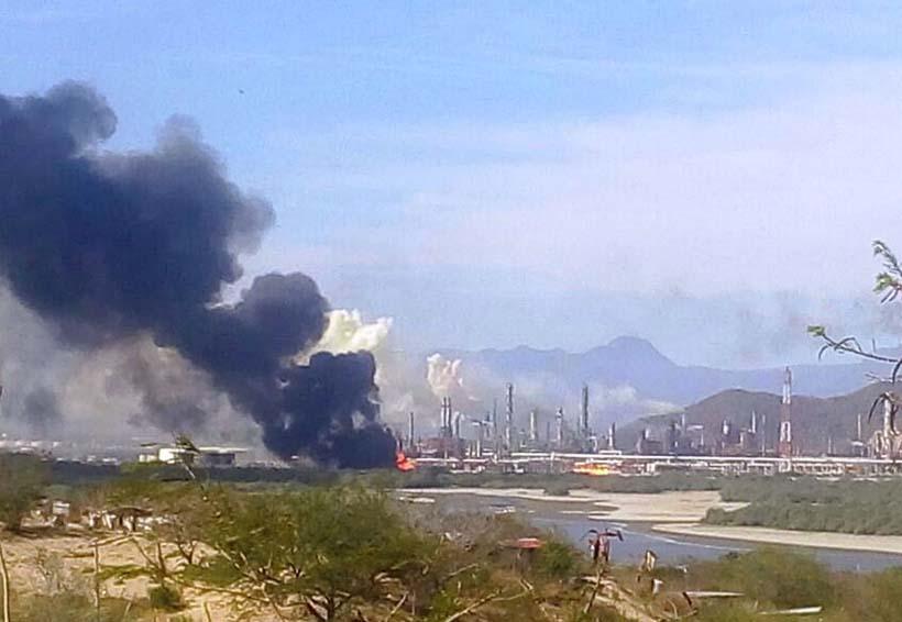 Falla en refinería provoca pánico en Salina Cruz, Oaxaca