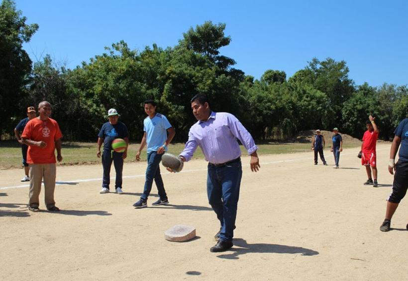 Inauguran cancha de pelota  mixteca en Bajos de Chila | El Imparcial de Oaxaca