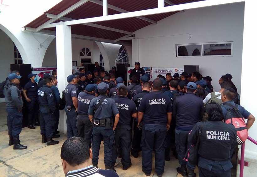 Policías se rebelan  contra el presidente de Matías Romero, Oaxaca | El Imparcial de Oaxaca