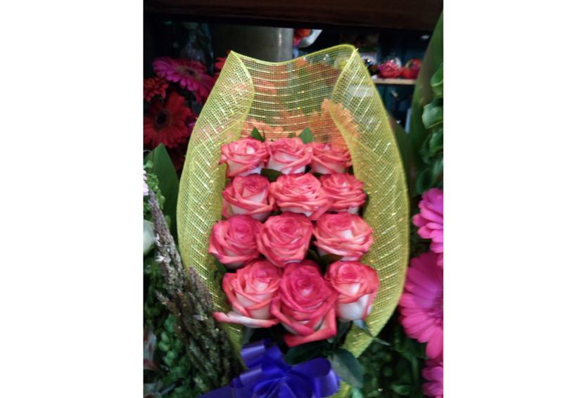 """Por """"las nubes"""" la docena de rosas en Oaxaca"""