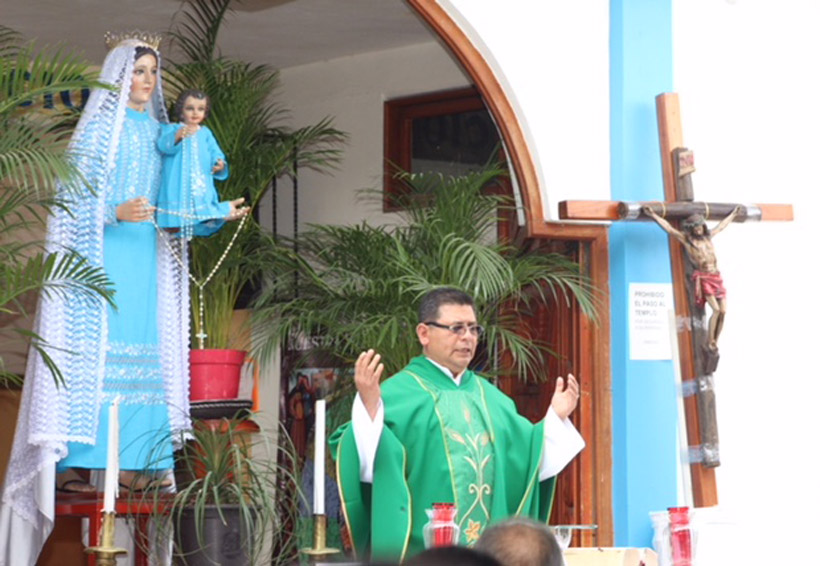 Celebra párroco de El Rosario 16 años de vida sacerdotal | El Imparcial de Oaxaca