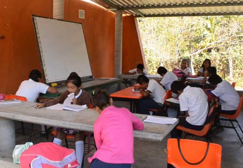 Regreso parcial de clases  en la Costa por sismo