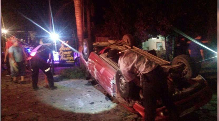 Automóvil vuelca en la carretera a Zaachila, Oaxaca   El Imparcial de Oaxaca