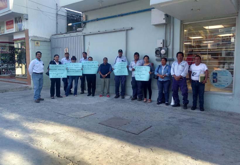 Telefonistas protestan en Salina Cruz, Oaxaca