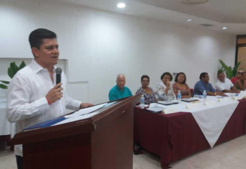Toma protesta dirigencia de  hoteleros en Puerto Escondido, Oaxaca