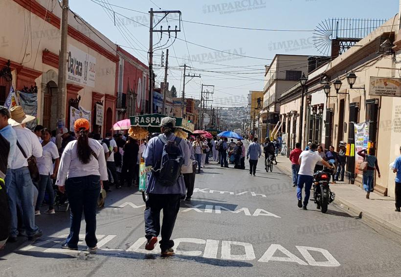 Marchas y bloqueos en Oaxaca este lunes