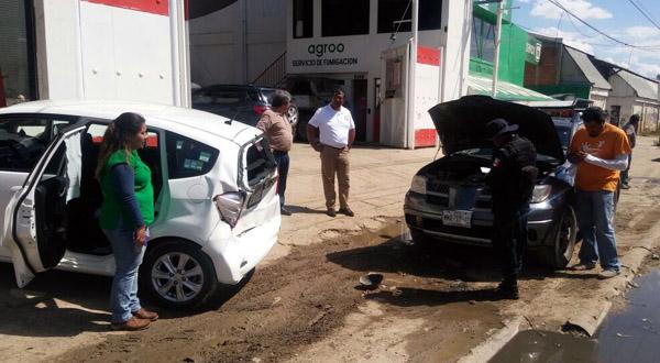 Colisionan dos vehículos en San Pablo Etla, Oaxaca | El Imparcial de Oaxaca