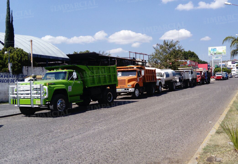 Cetemistas se manifiestan en Huajuapan; exigen pagos | El Imparcial de Oaxaca