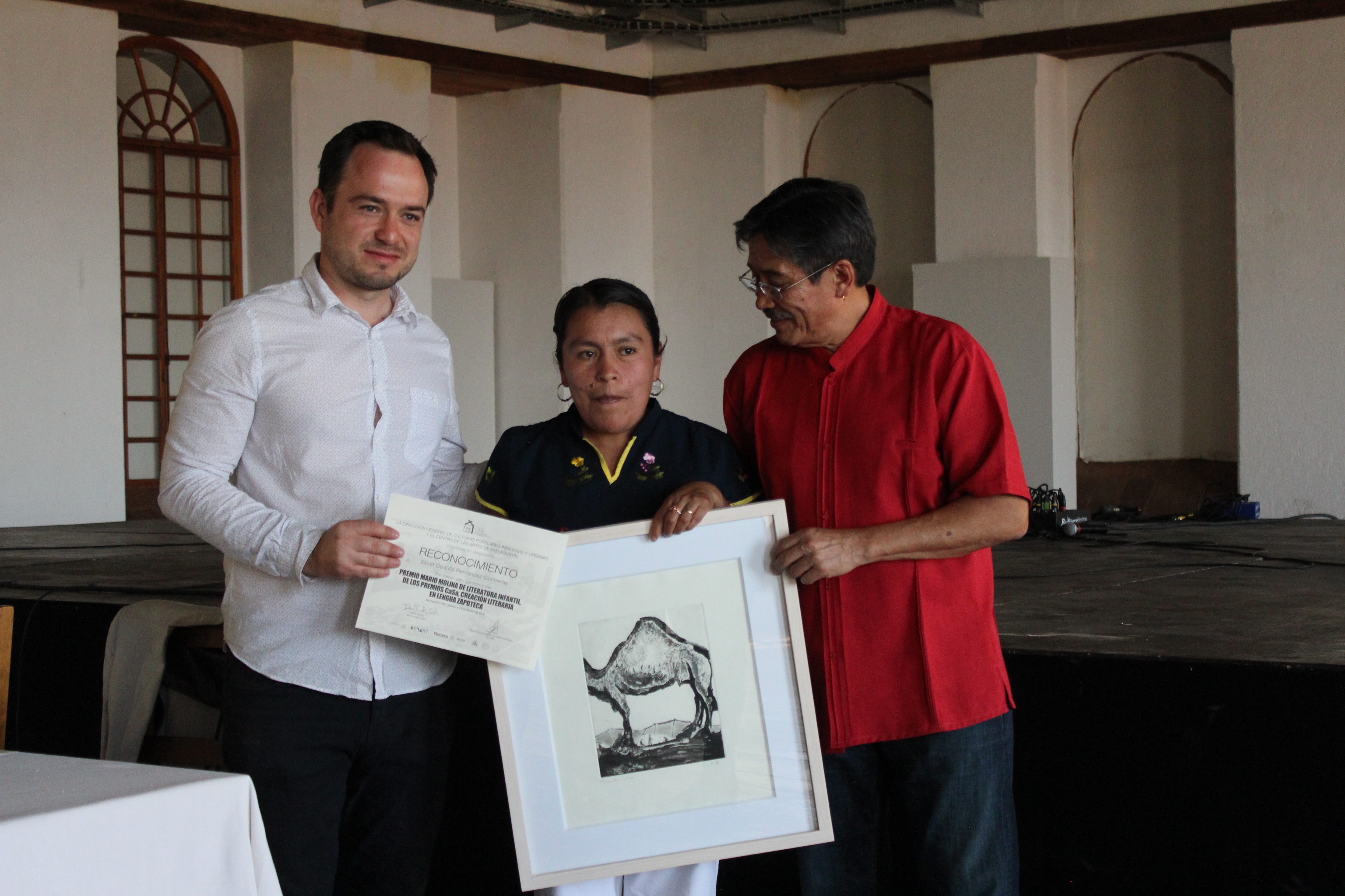 Reconocen Premios CaSa creación literaria en zapoteco