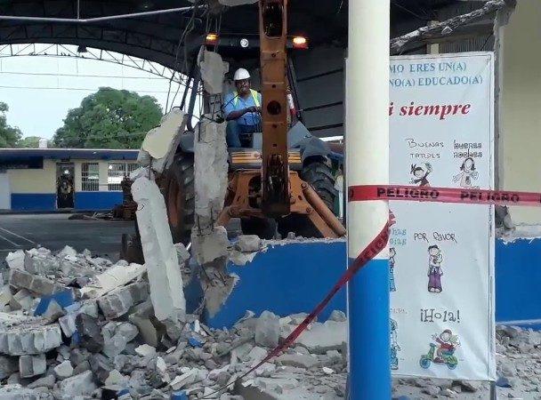 Una escuela en Tuxtepec reporta daños tras sismos