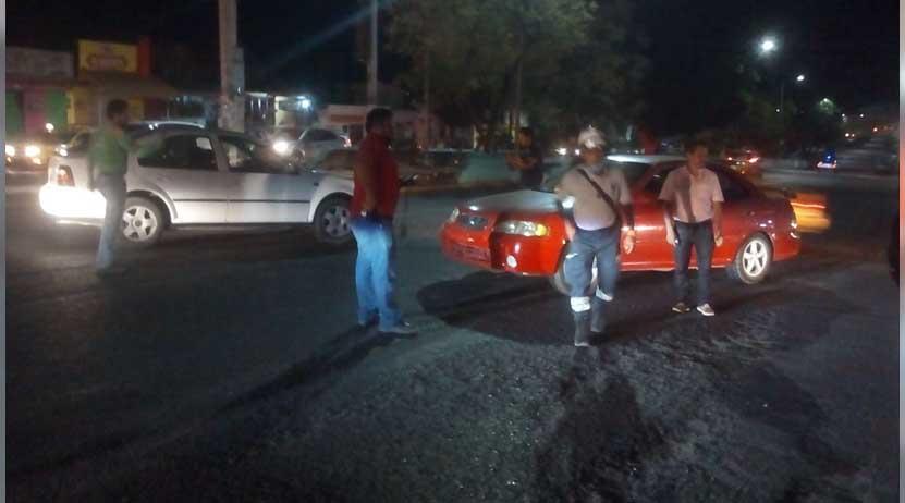 Aparatoso choque en el crucero de Santa María Ixcotel, Oaxaca | El Imparcial de Oaxaca