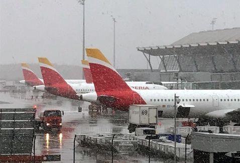 Nevada afecta la operación del aeropuerto de Madrid | El Imparcial de Oaxaca