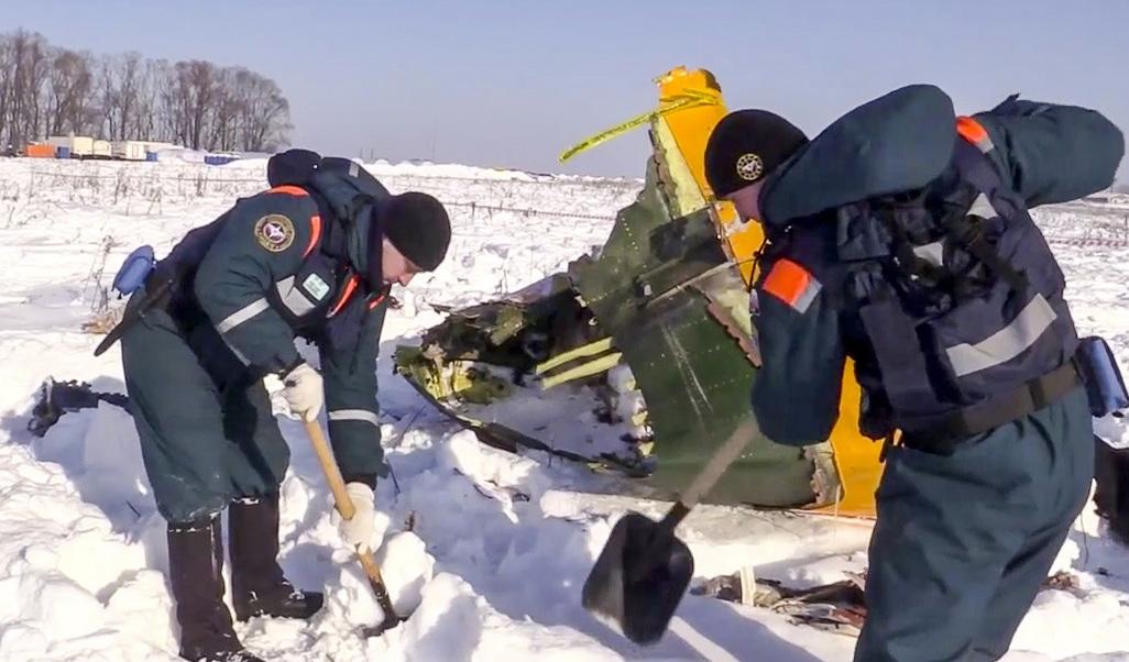 Nevadas dificultan el rescate de cuerpos tras avionazo en Moscú | El Imparcial de Oaxaca