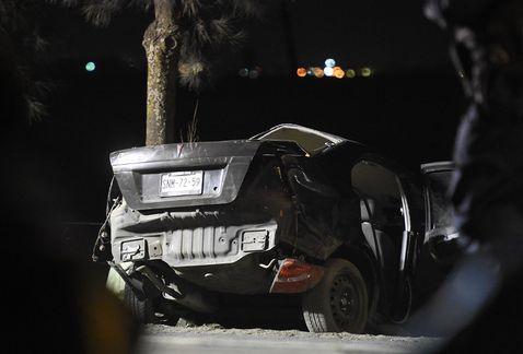 Niño de 12 conducía a exceso de velocidad, mueren cinco menores