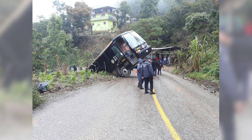 Se desbarranca autobús en Huautla, Oaxaca   El Imparcial de Oaxaca