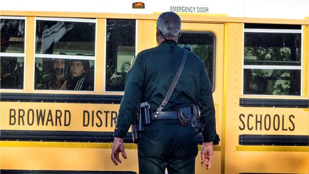 Aprueban en congreso de Florida ley que permite portar armas a algunos maestros | El Imparcial de Oaxaca