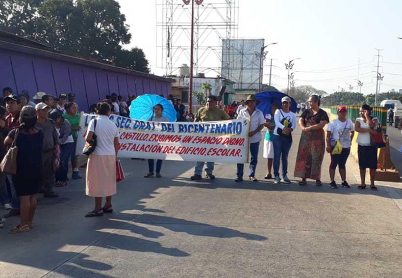 Alumnos de Tuxtepec piden  instalaciones  que ocupa la  Policía Estatal | El Imparcial de Oaxaca